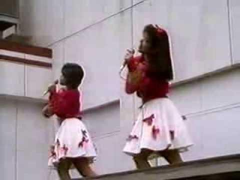 80年代アイドル ミニスカート