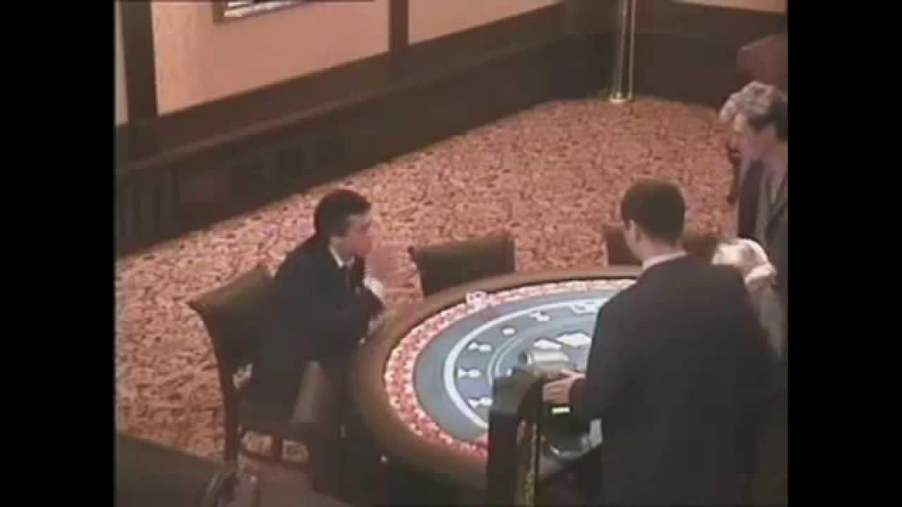 v-kazino-muzhik-materitsya
