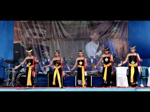 Keren!!!Tarian Petik Kopi dari Sumba di pentaskan di Malang