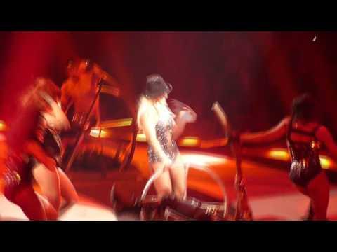 Britney Spears live at TD Banknorth Garden - Slave 4 U