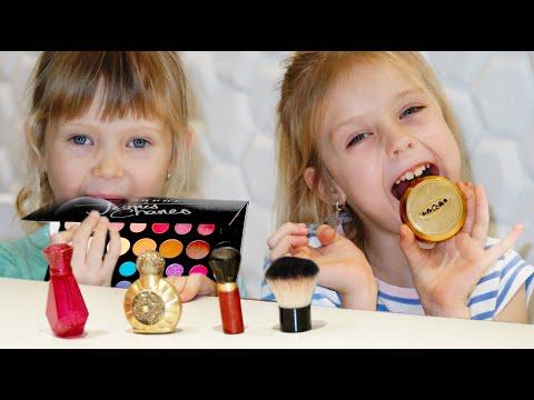 Настя и Марго играют в челлендж съедобное как шоколад и настоящее