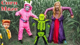 Assistant and Batboy Ryan Lost in the Corn Maze with Gabby Gabby