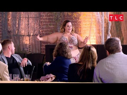 Get A Front Row Seat To Whitney's Table-Side Belly Dance PerformanceKaynak: YouTube · Süre: 2 dakika40 saniye