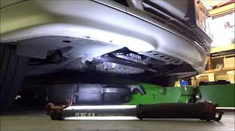 ベンツC240(W202)の整備と車検/Maintenance of Benz C240 (W202)