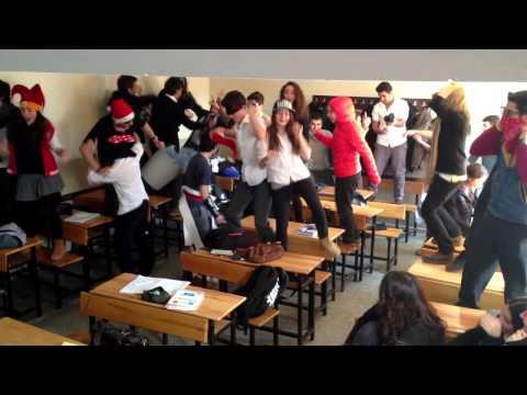 Harlem Shake Izmit Lisesi Versiyon