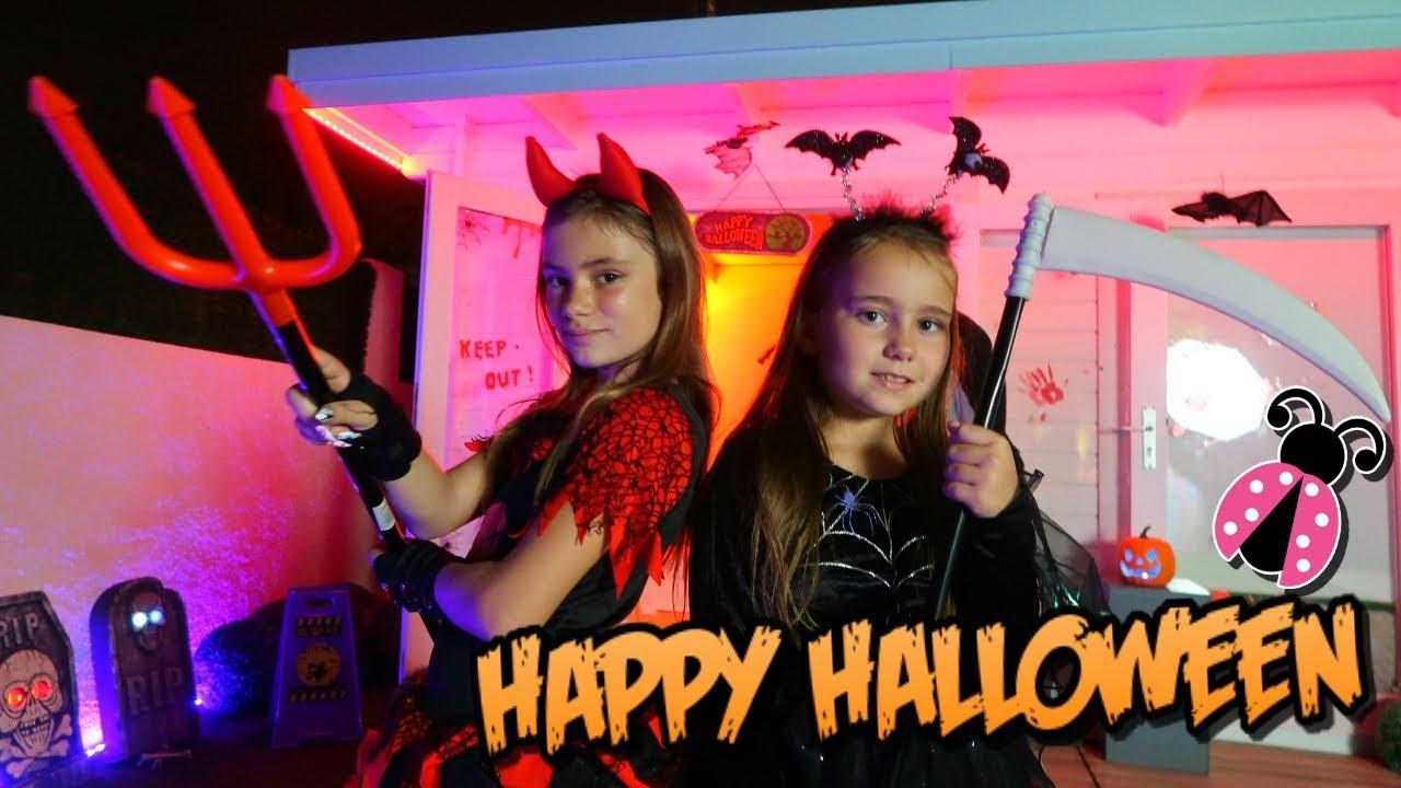 Decoramos De Halloween La Casita De Madera Y Pasamos Alli La Noche Youtube