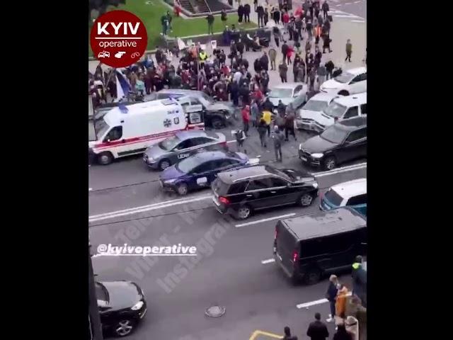Смертельна ДТП на Майдані Незалежності, зіткнулися п'ять авто — ДТП у Києві