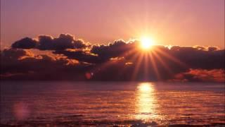 古代出雲の神々の姿をイメージしました。イメージなので歌詞は聴く人が想像してみてください。
