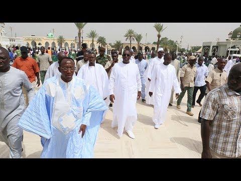 Touba: Le président Macky Sall a participé à la prière du vendredi aux côtés du Khalife