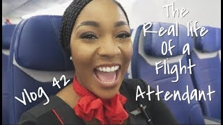 """The """"Real Life"""" of a Flight Attendant 