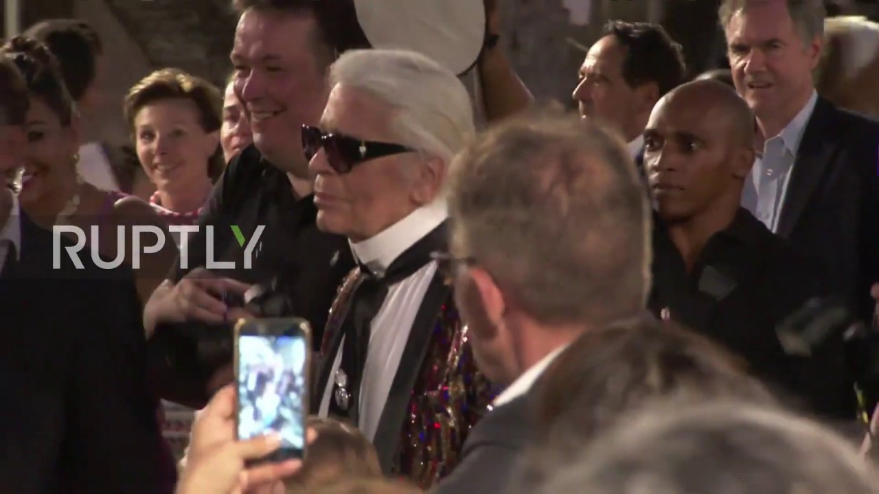 Fashion Icon Karl Lagerfeld Dies In Paris At 85 Archive