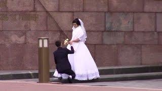 Самара. Свадебная традиция посещать площадь Славы