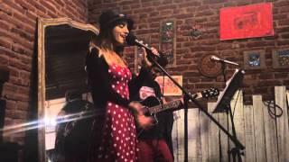 Crazy - Vinilo Vintage en vivo en A la que te criaste, fonda & bar