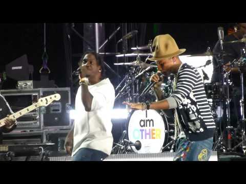 Pharrell Williams  Grindin  w Pusha T Coachella Festival, Indio CA 41914