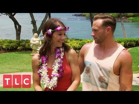 The Busby's Learn To Hula Dance | OutDaughtered