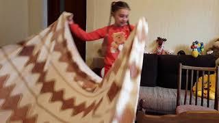 Как сделать домик из одеяла подушек сваими руками