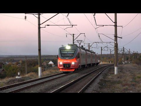 Электропоезд ЭП3Д-0012 сообщением Успенская — Таганрог-2