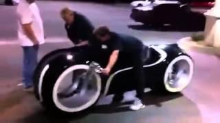 Мотоцикл из фильма ТРОН в ЖИВУЮ