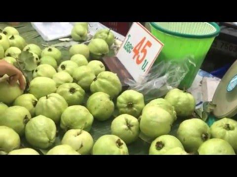 Street Fruits - Sweet Guava - $1.27/kilo - Bangkok Thailand Street Food