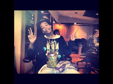 Wiz Khalifa - Medicated Ft. Chevy Woods & Juicy J