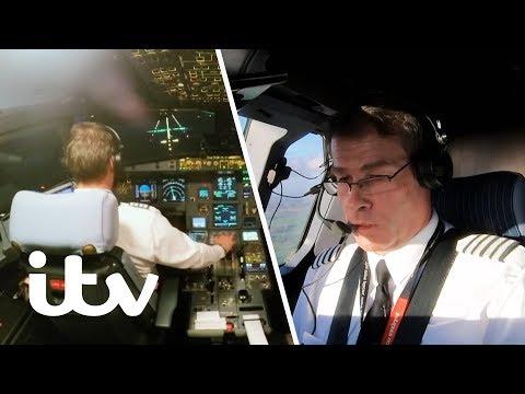 Struggling to Land in Extreme Crosswinds! | EasyJet: Inside The Cockpit | ITV