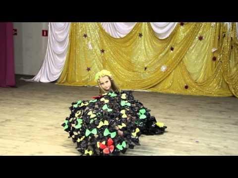 Одежда из мусора! платье из мусорных пакетов