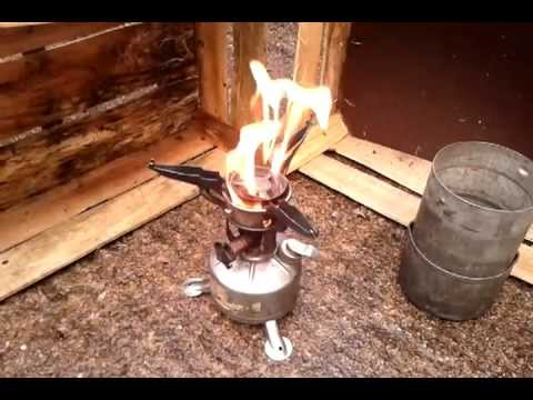 M-1942 US Army gasoline stove firing up