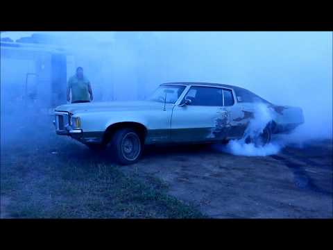 1969 Pontiac Grand Prix burn out