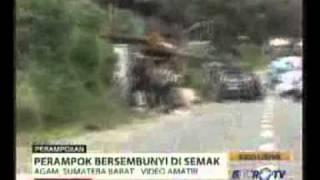 Video Amatir Penyergapan Perampok ATM.fl...