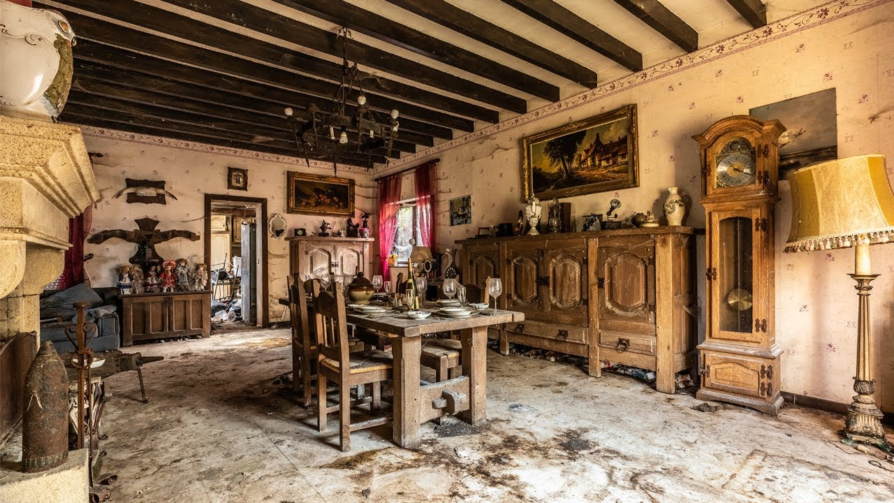 LIVED ALONE FOR 20 YEARS | Abandoned Belgian House of Widower Mrs. Chantal Thérèse