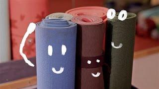 Поговорим о ковриках для йоги (студия Ежи, йога Омск)(Коврики для йоги, зачем они нужны? Пара советов по приобретению личного коврика. www.еежи.рф Связаться с нами:..., 2017-01-22T18:59:48.000Z)