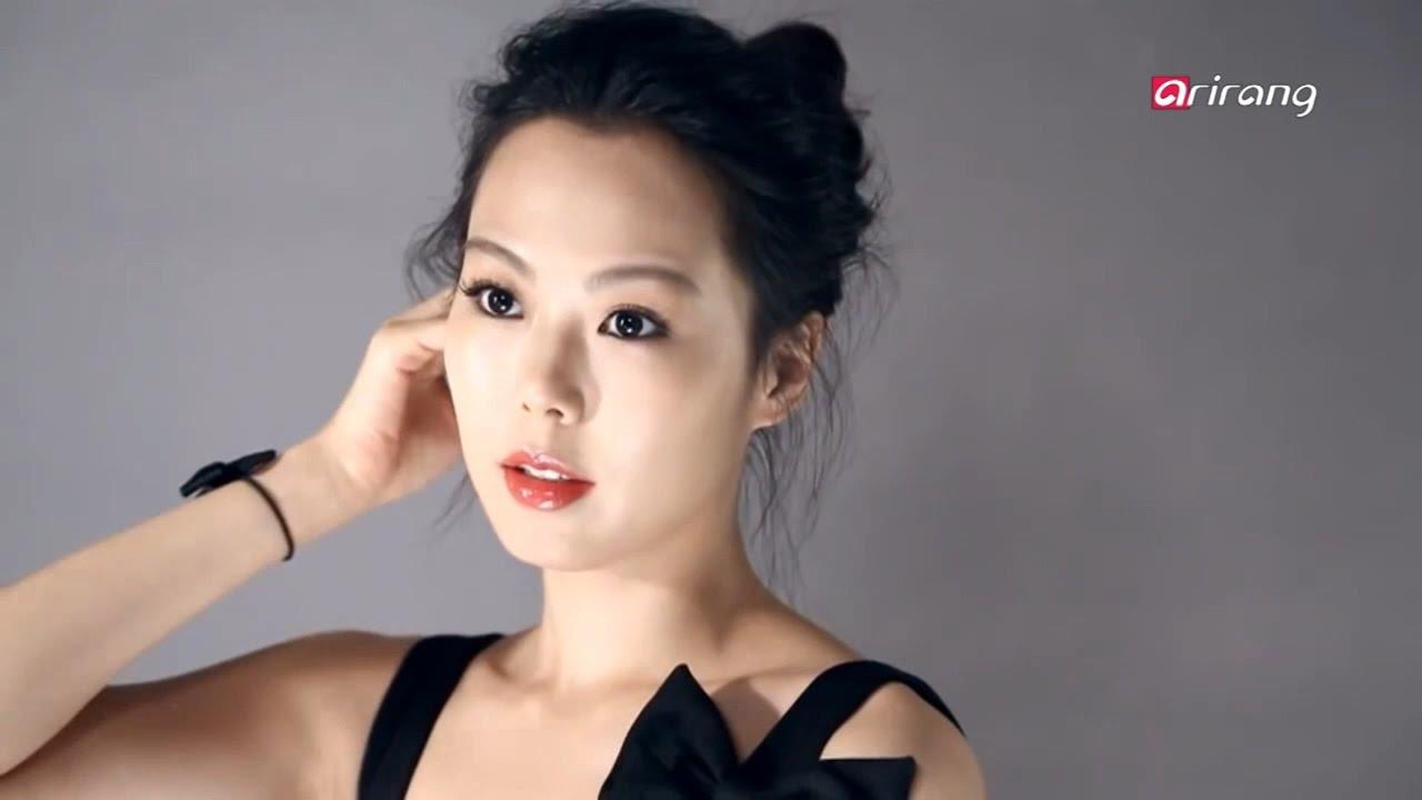 Showbiz Korea _ YOO HAE-JIN & KIM MIN-HEE win awards at the BFCA ...