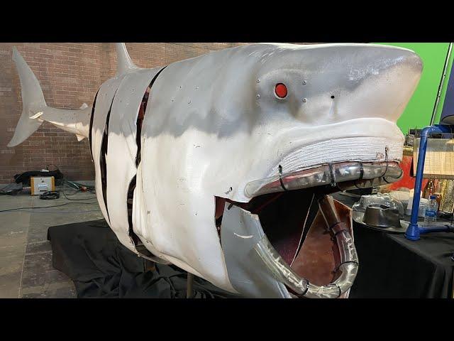 The Return of MythBusters' ROBOSHARK (from Shark Week)!