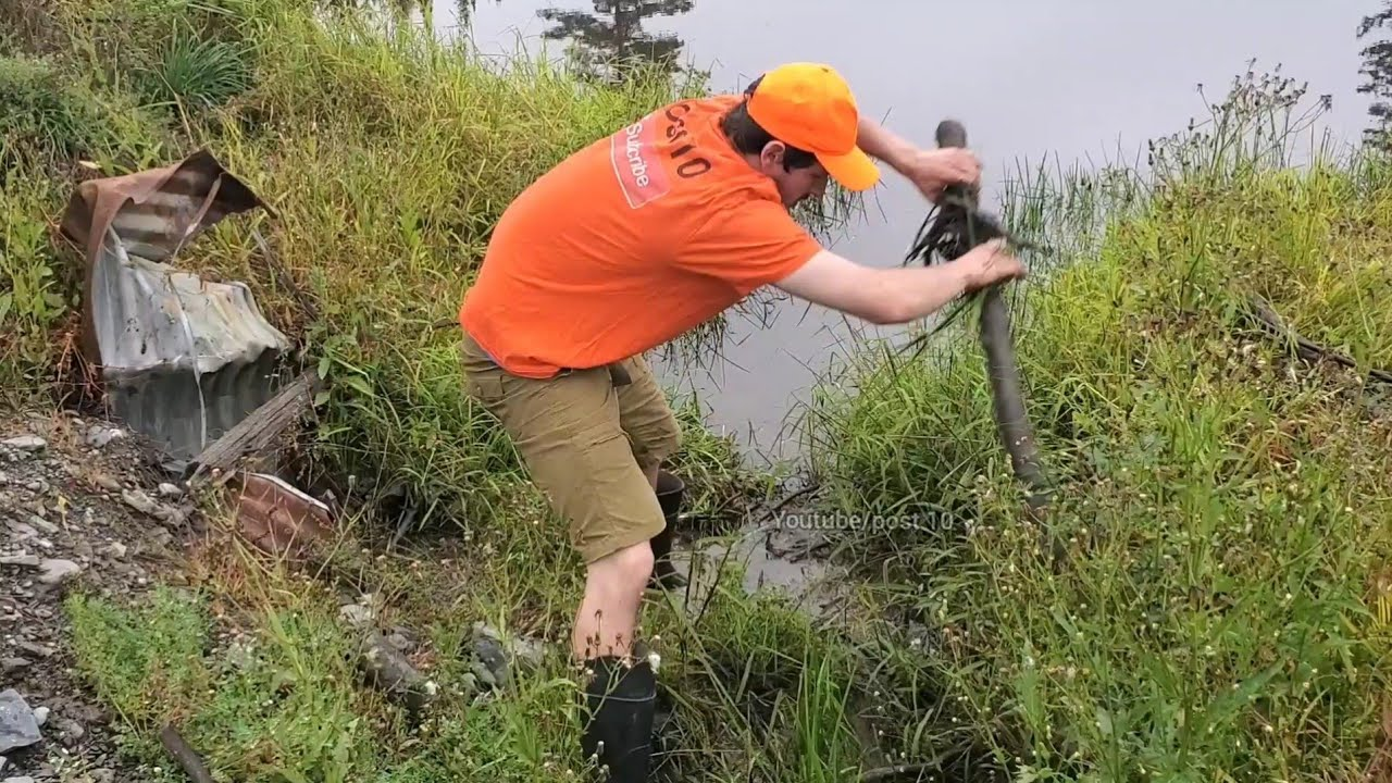 Unclogging Beaver Dam After Trapping