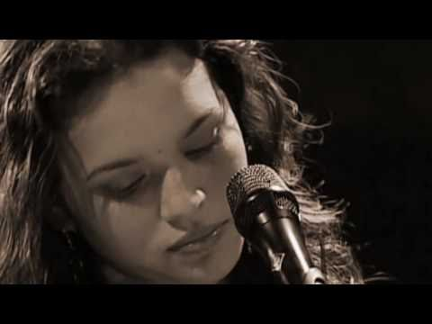 Norah Jones - Easy Living