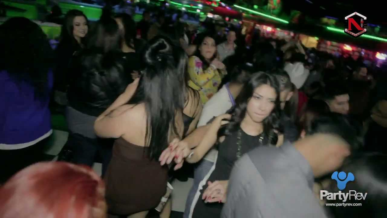 PartyRev & Dj Niki @ El Patio de Rialto - YouTube