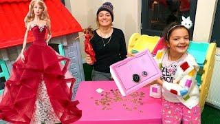 Masal'ın Parası Barbie Yılbaşı Bebeği Almaya Yetmedi! Shopping with kids play game - Fun Kids video