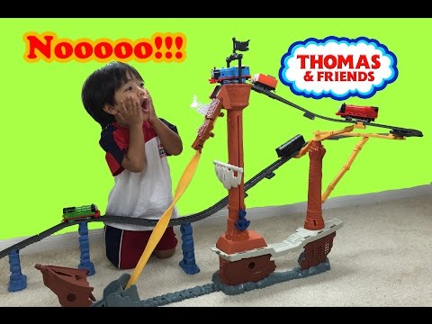 Ryan plays with Thomas and Friends Trackmaster Shipwreck rails set