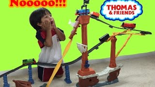 Thomas and Friends Trackmaster Thomas Shipwreck rails set unboxing playtime Legend of the Lost Trea