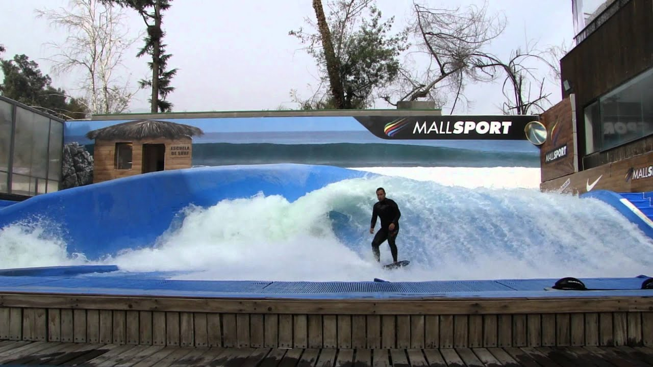 Surf na piscina do mallsport em santiago do chile youtube for Piscina u de chile