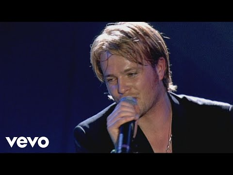 Westlife - World of Our Own (Live From M.E.N. Arena)