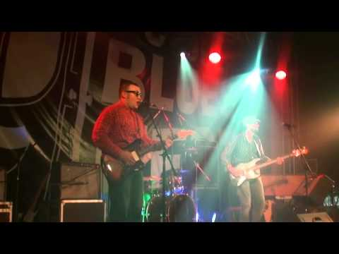 Bum Shakers - Give a little love (Tom Jones cover)