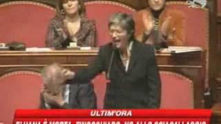 rissa al senato dopo il minuto di silenzio per eluana quagliariello pdl e stata ammazzata