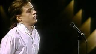 Festival de Viña 1986, Luís Miguel, No me puedes dejar asi