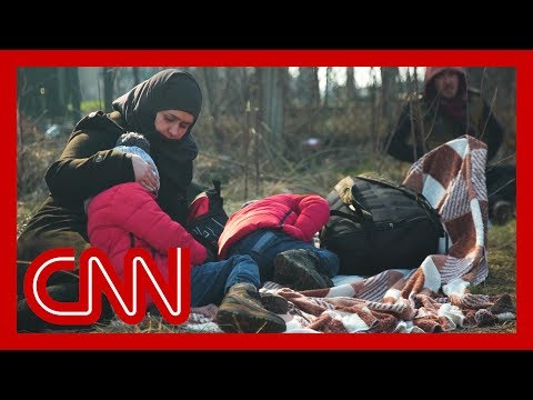 Refugees flood Turkey's border with Greece