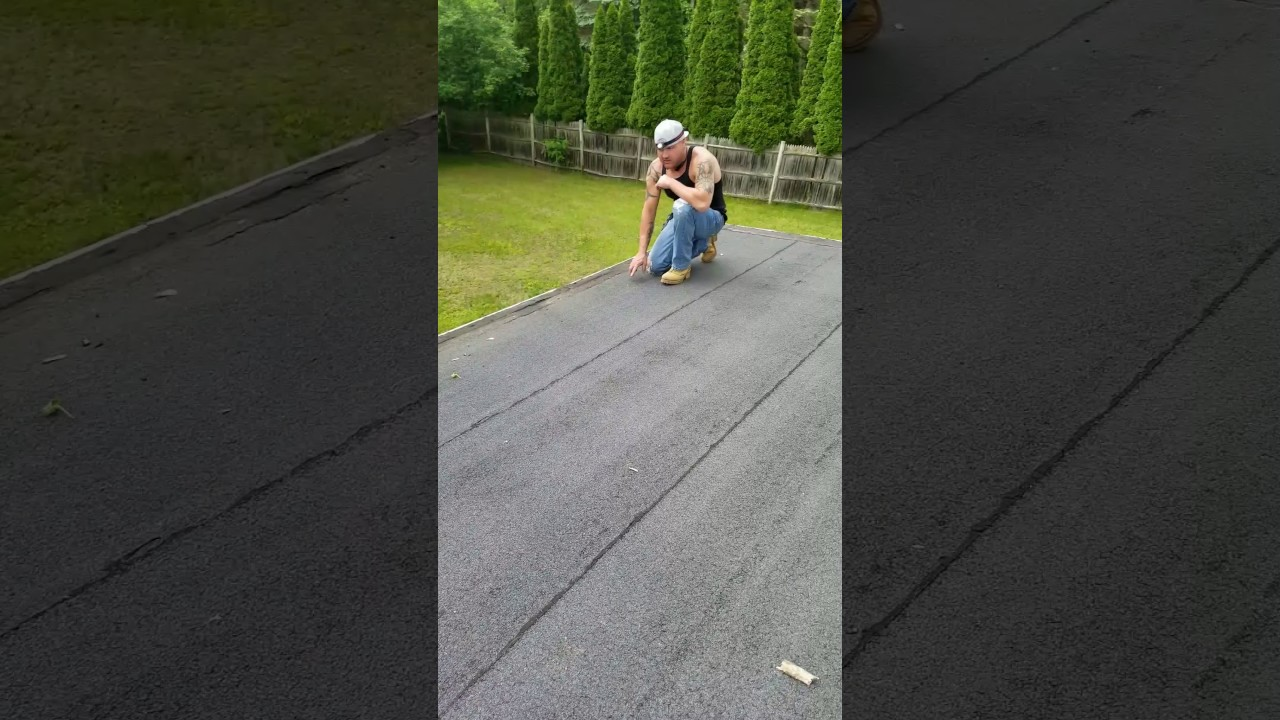 Roll Roofing Vs. Rubber Roofing?