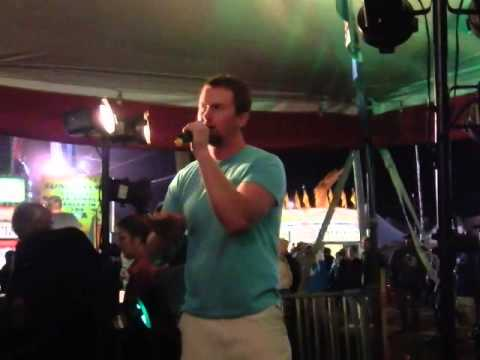 """How Country Feels"" Randy Houser Karaoke at the Dodge County Fair 8-16-14"