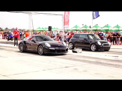 Porsche 911 TURBO S vs Mini Cooper 1.6 TURBO 380HP