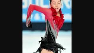 浅田真央選手の衣装コレクションです。シニアデビュー後に主な競技会で...