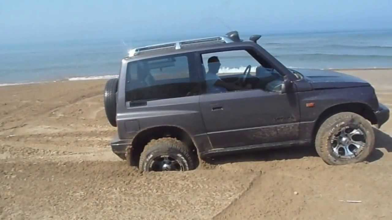 Suzuki Vitara Off Road On The Beach